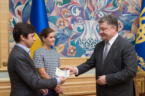 Порошенко надав українське громадянство росіянам Гайдар і Федоріну