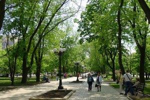 В Киеве открыли два новых сквера