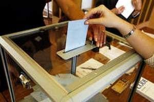 У регіонах виборців організовано возять на дільниці