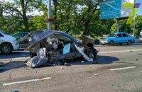 В Одессе автомобиль BMW разорвало пополам от удара о столб