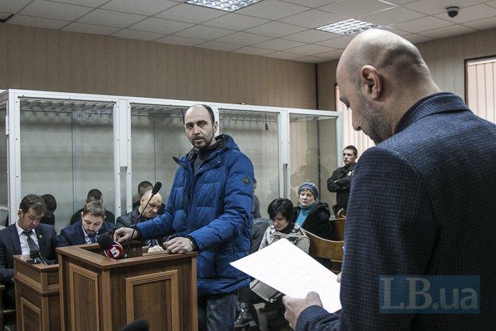Прокурор задає питання Симчичу