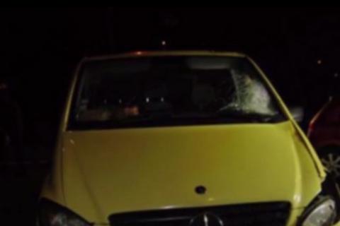 В Черновцах третьи сутки ищут водителя буса, который насмерть сбил студентку на переходе