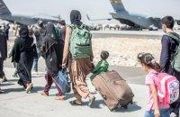 США виділять по 2275 доларів допомоги евакуйованим з Афганістану