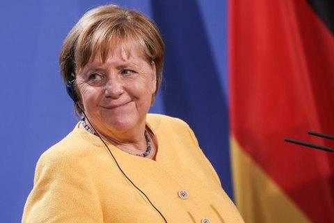 Меркель предотвратила вступление Украины в НАТО, - экс-советник канцлера Германии
