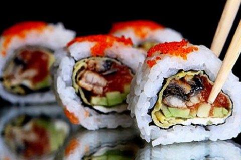 В Японии в элитном ресторане отравились более 10 человек