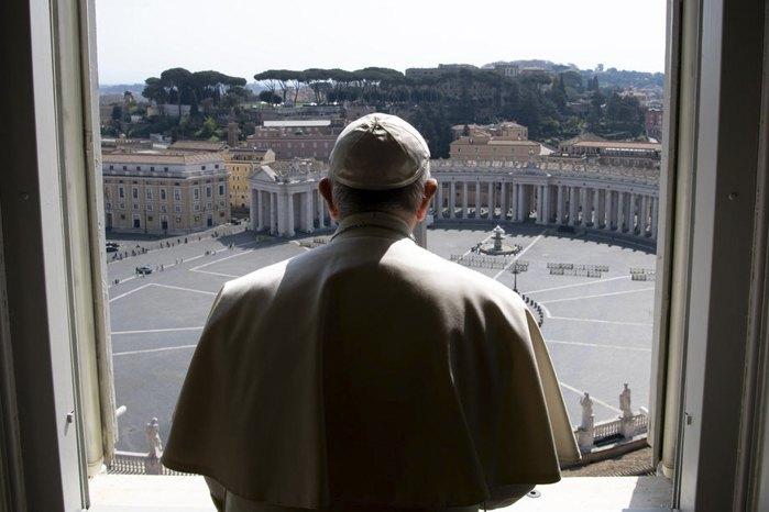 Папа Франциск во время онлайн трансляции мессы в Ватикане, 22 марта 2020.