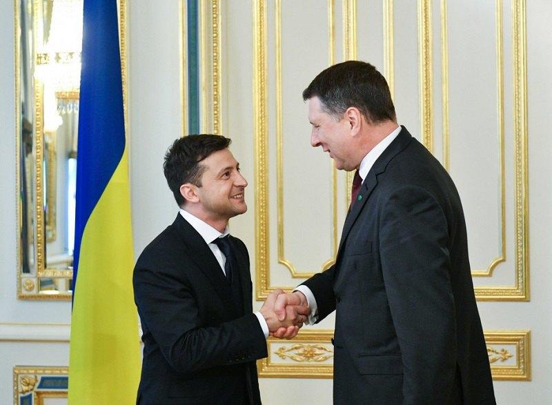 Президент України Володимир Зеленський і президент Латвії Раймондс Вейоніс