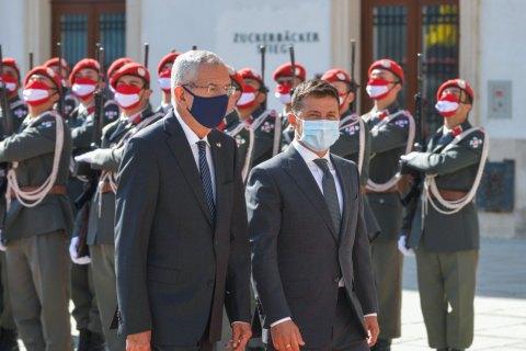 У межах візиту Зеленського до Відня Україна і Австрія підписали два меморандуми та угоду