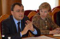 """МИД согласовал с Венгрией ключевые позиции по языковых нормах закона """"Об образовании"""""""