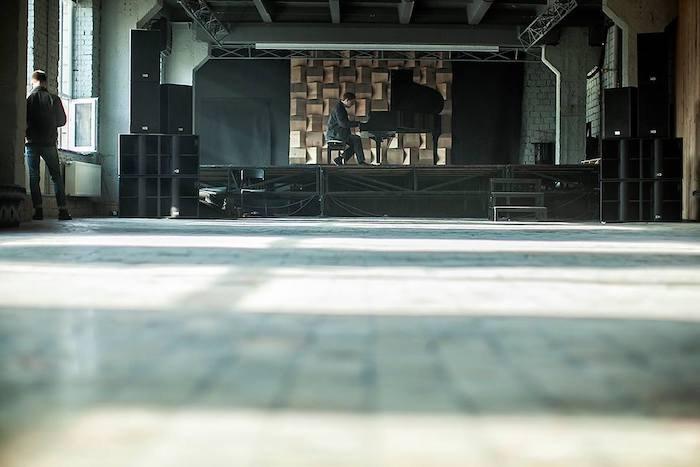 """Концертный зал в """"Пленке"""""""