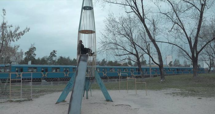 Кадр з фільму «Прибічник»