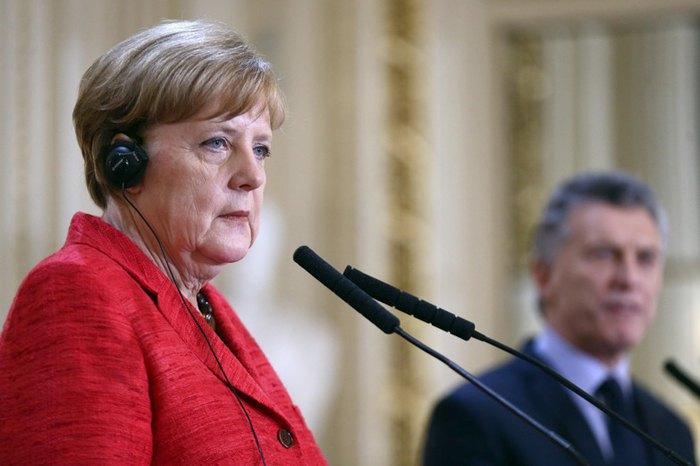 Канцлер Германии Ангела Меркель и президент Аргентины Маурисио Макри во время пресс-конференции после переговоров о перспективах соглашения между Европейским союзом и МЕРКОСУР, Буэнос-Айрес, Аргентина, 8 июня 2017.