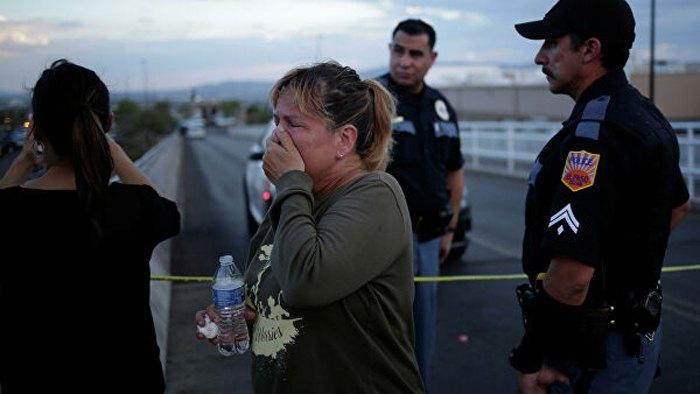 Поліція Ель-Пасо та очевидці трагедії на місці стрілянини, 3 серпня, 2019.