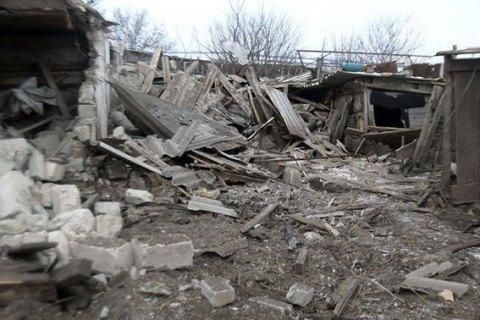 При обстреле села под Волновахой ранены двое гражданских