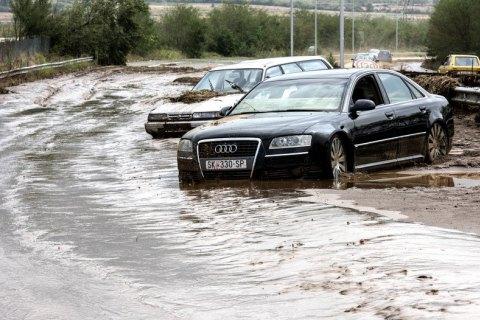 Из-за урагана в Македонии погибли 15 человек