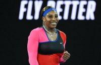 "Серена Уильямс повторила абсолютный рекорд Федерера на турнирах ""Большого шлема"""