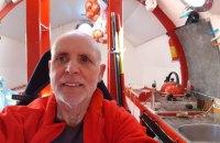 72-річний француз переплив Атлантичний океан у сталевій бочці