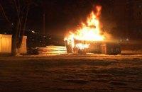 На місці будівництва супермаркету в Києві згоріла побутівка