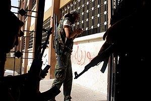 Сирійські повстанці захопили дві військові бази на кордоні з Іраком