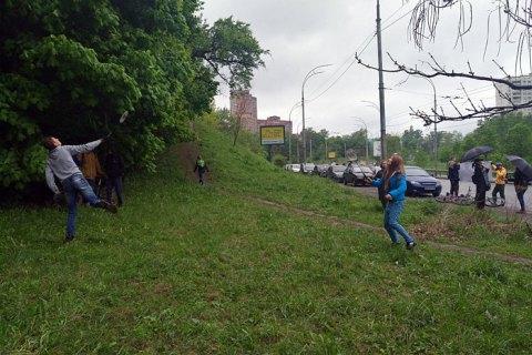 Государственная профильная инспекция остановила скандальную стройку на Протасовом Яру