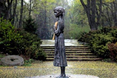 Украина чтит сегодня память жертв голодоморов