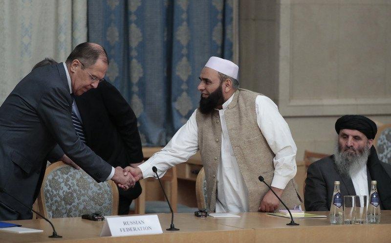 Міністр закордонних справ Росії Сергій Лавров під час зустрічі з представниками Талібану перед початком переговорів щодо мирного врегулювання в Афганістані , листопад 2018.