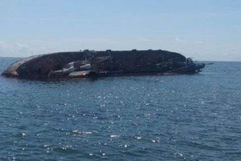 Зеленський доручив до 20 липня дістати затонулий танкер Delfi в Одесі