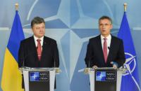 """Порошенко рассчитывает на давление НАТО на Россию до выполнения """"минских соглашений"""""""