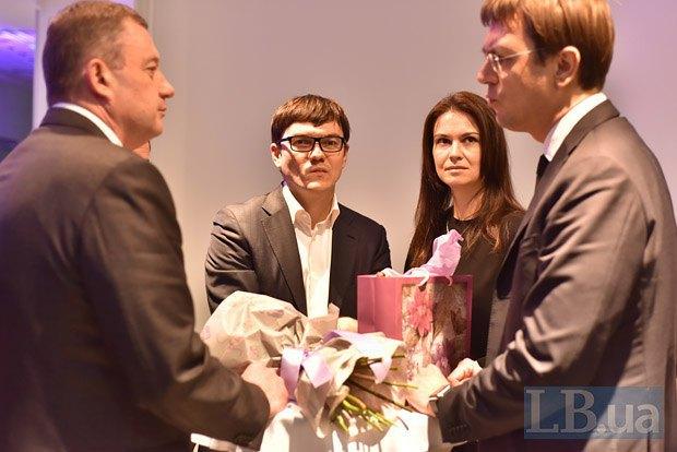 Слева направо: Ярослав Дубневич, Андрей Пивоварский с супругой и Владимир Омелян