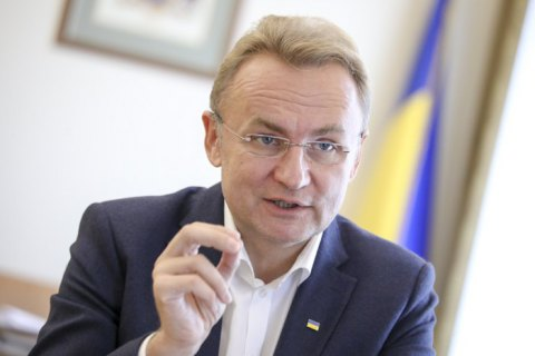 Садовий поставив під сумнів етичність купівлі для Львова автобусів у МАЗу