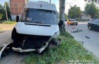 В Запорожье в ДТП с маршруткой и автомобилем пострадали 13 человек