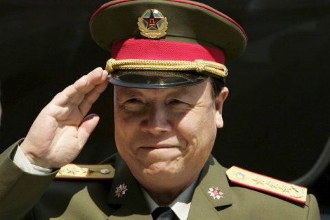 У Китаї колишнього воєначальника виключили з партії за корупцію