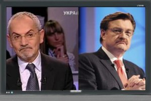ТВ: проводы 2011-го с Азаровым, шампанским и елкой