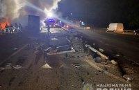 На Житомирській трасі в Києві зіткнулися і згоріли ватажівка і легковик