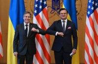 Кулеба и Блинкен обсудили возможность привлечения США к мирному урегулированию в Украине
