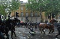 Під час акцій проти расизму в Лондоні постраждали понад 20 поліцейських
