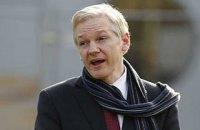 Ассанж передумал сдаваться властям США