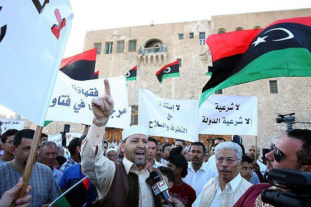 Август 2012. Жители Триполи протестуют против экстремистских организаций</p> <p>