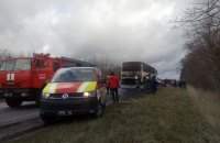 Туристичний автобус з 46 пасажирами загорівся на трасі в Рівненській області