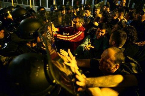 Влада Македонії відмовила опозиції у відтермінуванні парламентських виборів