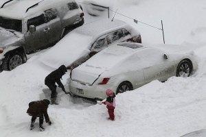 Припаркованные на киевских дорогах автомобили будут убирать без спроса