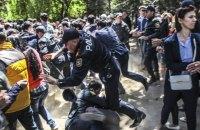 В Азербайджане о время акции протеста погибли двое полицейских