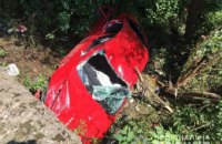 У Закарпатській області 12-річний підліток на квадроциклі зіштовхнув з дороги легковик
