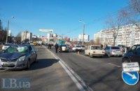На Троєщині в Києві автомобіль на великій швидкості збив насмерть пішохода на переході