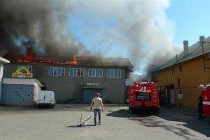 За сутки произошло 323 пожара