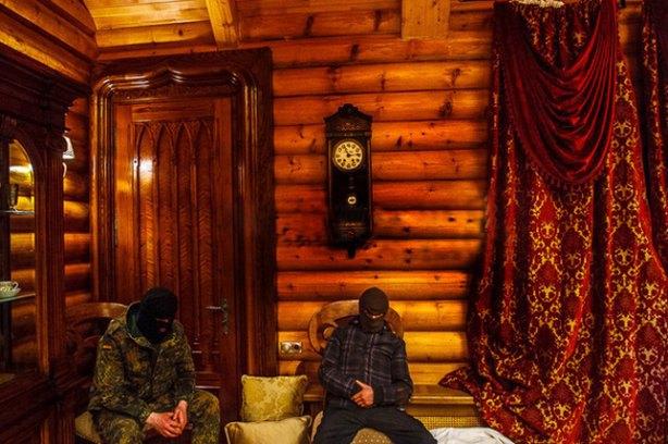 Правий сектор на дачі Медведчука