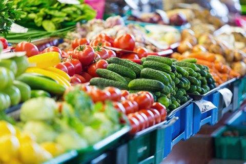Держстат відзначає зниження цін на продукти харчування