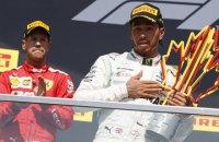 В Формуле-1 Феттель финишировал первым в гонке, но Гран-При Канады выиграл Хэмилтон