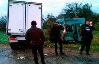 У Житомира грузовик столкнулся с маршруткой, погиб человек, еще 9 пострадали