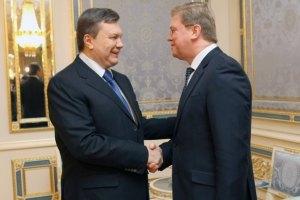 """Фюле про реформи Януковича: """"два кроки вперед, один назад"""""""